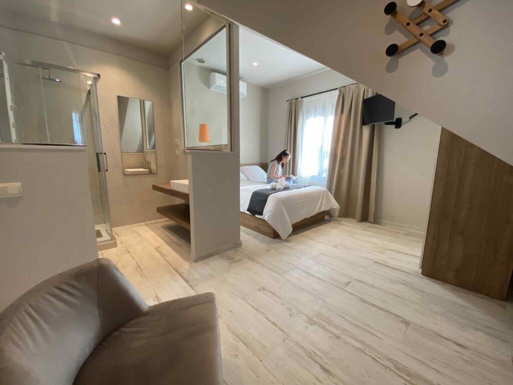 Habitación centro desintoxicación con baño premium