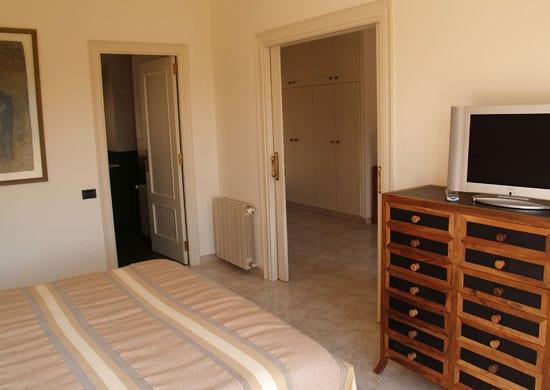 habitación individual con aseo