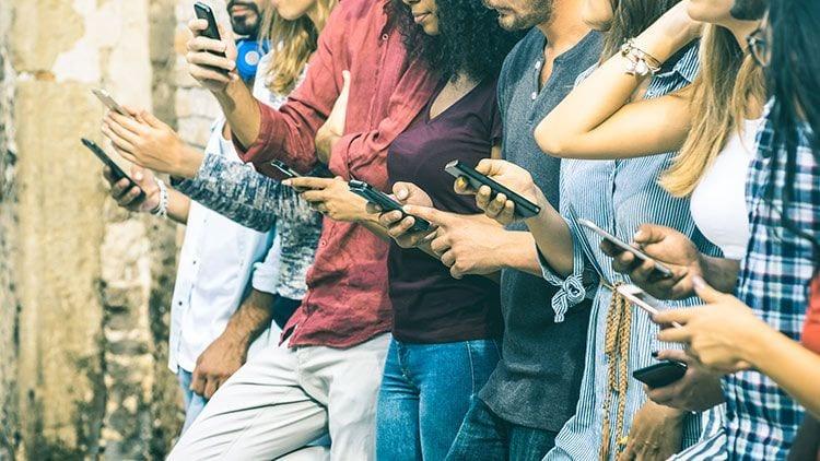 Síntomas de la adicción al móvil